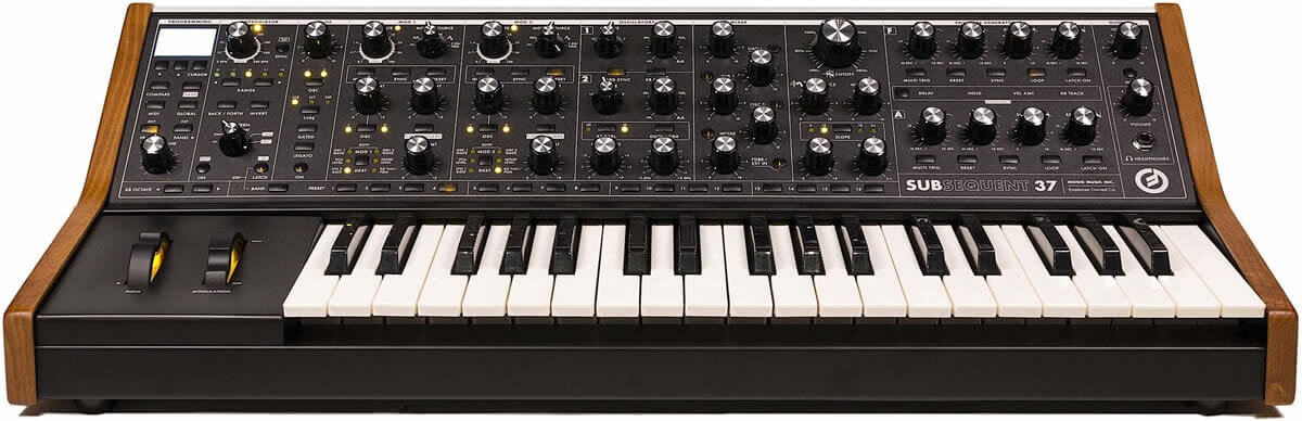 Moog Subsequent 37:外観